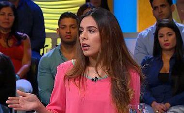 Akuzoi gruan gjatë emisionit live se e kishte tradhtuar me gruan që e kishte adoptuar, partnerja pranon publikisht se nuk ka vaginë (Foto/Video)