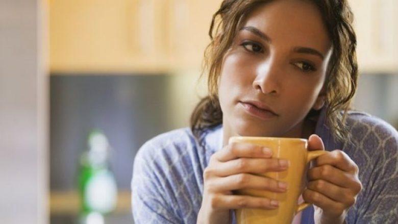 Mjekët e kanë pranuar: Kjo pije SHËRON DEPRESIONIN më mirë se të gjitha ilaçet farmaceutike!