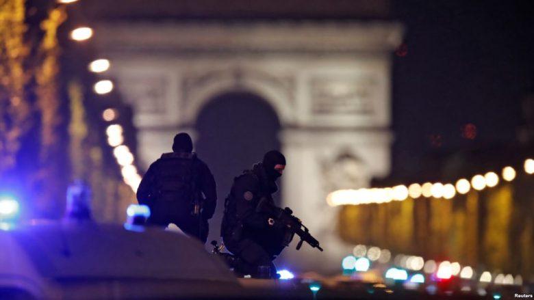 Franca rritë sigurinë për zgjedhjet presidenciale pas sulmit në Paris