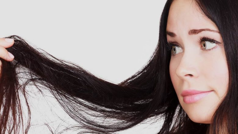 Problemi juaj me flokë të yndyrshme më në fund do të zgjidhet, mjafton t'i ndiqni këto këshilla (video)