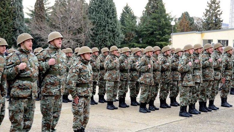 Manovra ushtarake në kazermën Petrovec në Shkup