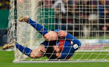 Gjesti qesharak i Messit vetëm që mos të pengojë një gol të mundshëm të Suarezit (Video)