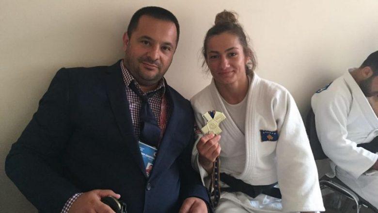 Kuka i lumtur me medaljet, shpreson në lirimin e Haradinajt
