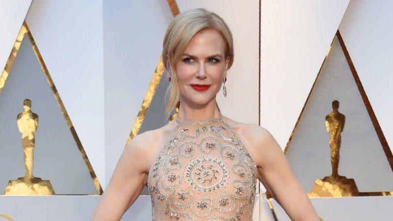 Si ia bën 49 vjeçarja Nicole Kidman të duket si 35 vjeçare? (Foto)