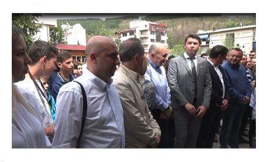 Kryetarët e komunave të Maqedonisë Lindore kërkojnë zgjedhje të reja parlamentare