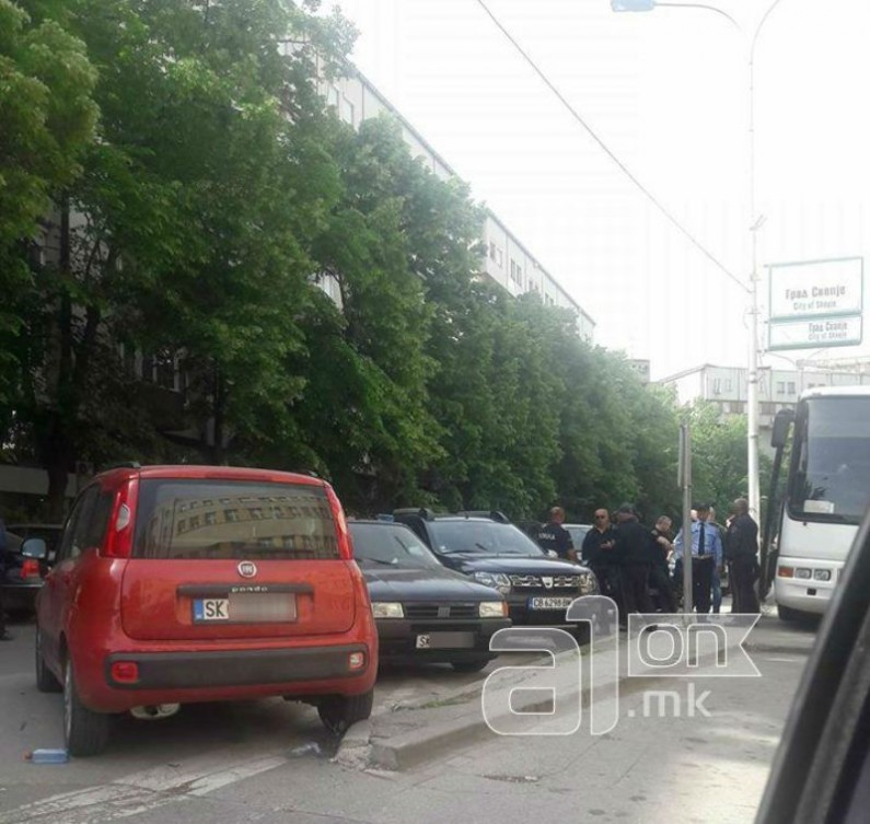 E gjithë policia para Kuvendit të Maqedonisë  situata është e qetë