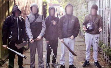 Tallje me adoleshentët që u paraqitën si të rrezikshëm (Foto)