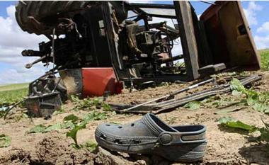 Gostivar, një fëmijë katërvjeçar shtypet nga traktori