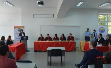 Studentët e UT-së improvizojnë seancë gjyqësore