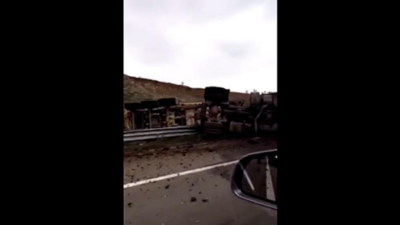 """Aksident i rëndë në autostradën """"Ibrahim Rugova"""" (Video)"""