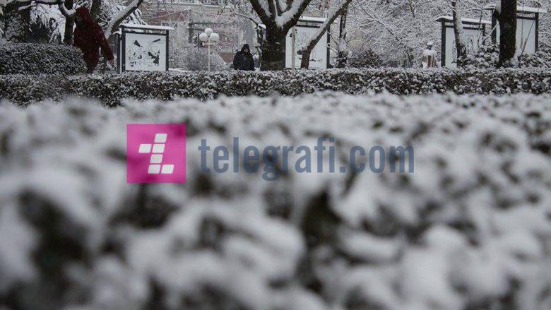 Borë në Maqedoni, shihni ku ka rënë borë