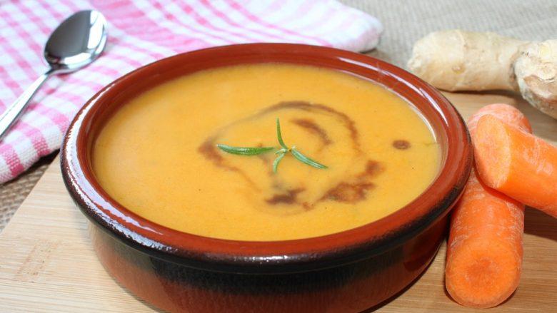 Supë nga karota me xhenxhefil – është aq e mirë sa që do të kërkoni akoma