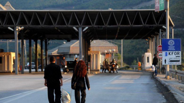 """""""Bashkim doganor"""", ide e Vuçiqit e rrezikshme për Kosovën"""