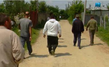 """Fshati që përveç ujit, rrugës dhe dritave """"vuan"""" edhe nga mungesa e nuseve (Video)"""
