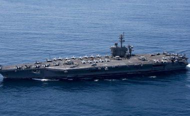 Koreja Veriore kërcënon me fundosje të luftanijes amerikane