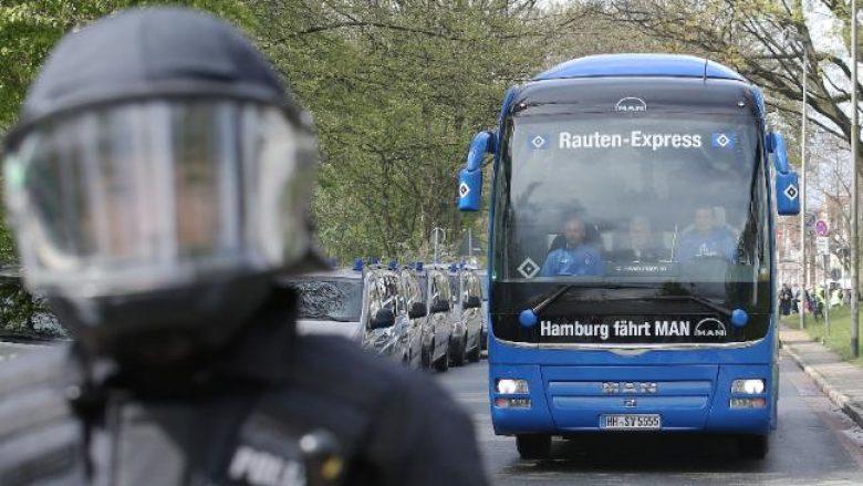 Tifozët e Werderit sulmojnë me ngjyrë autobusin e Hamburgut të Mavrajt (Foto)