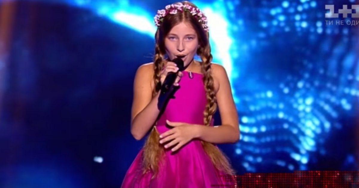 Talentja ukrainase këndon  Suus  e Rona Nishliut në  The Voice of Ukraine