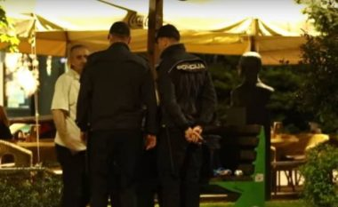 Çifti kapet mat në qendër të Sarajevës, u desh të ndërhynte policia (Video,+18)