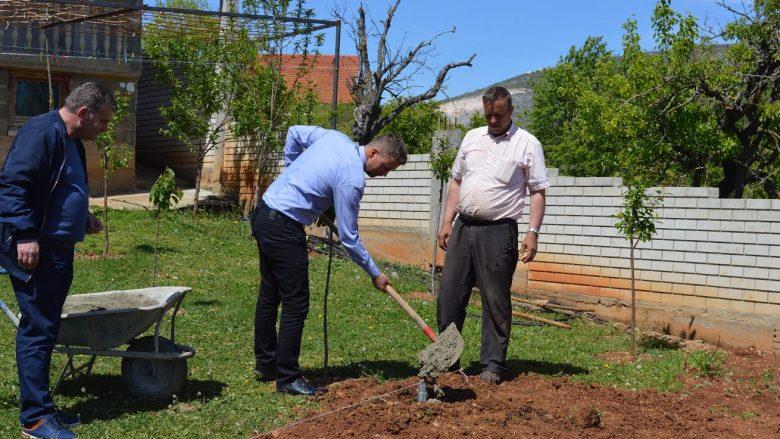 Filloi ndërtimi i 50 serrave në Malishevë