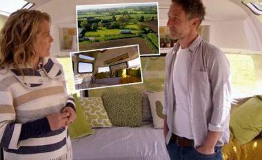Bleu rimorkion për 12 mijë euro dhe e shndërroi në shtëpi luksoze (Foto/Video)