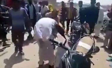 Rrahin gabimisht katër burra të cilët akuzoheshin se kishin hipnotizuar dhe përdhunuar disa gra (Video, +18)