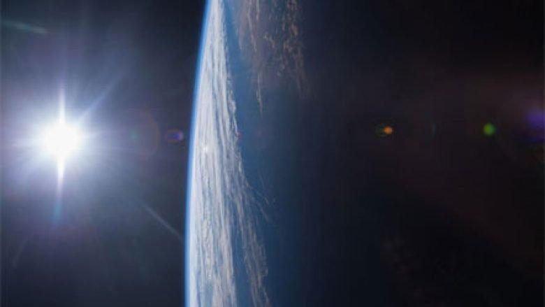 NASA kthen sytë nga Dielli