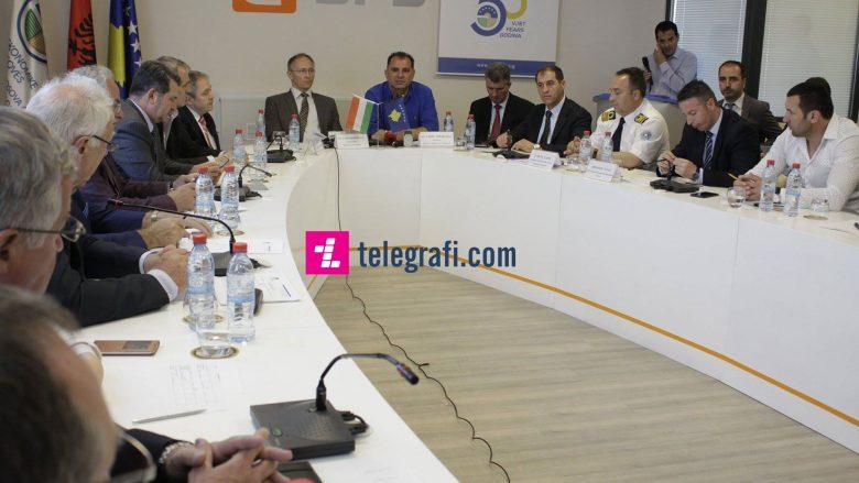 Investitorët hungarezë shprehin interesim për investime në Kosovë