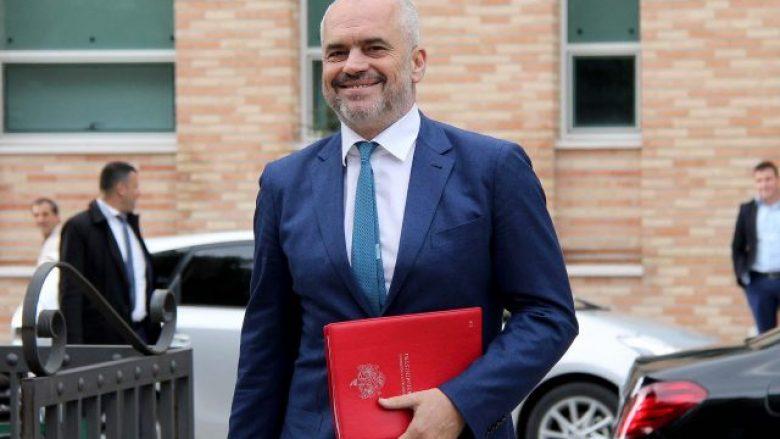 Ironia e Ramës: Jepet me qera çadër 3 muaj e përdorur, me pamje nga kryeministria (Foto)