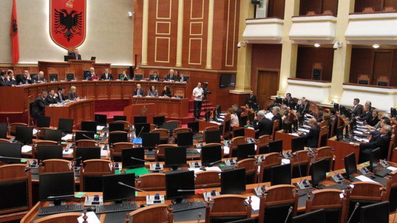 Marrëveshja Rama-Basha penalizon partitë tjera: Të vegjlit vështirë se do të hyjnë në Kuvend