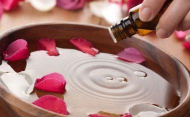 Uji i trëndafilit, rituali antik i bukurisë