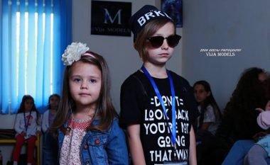 """""""Prishtina Fashion Kids"""" bashkon fëmijët të cilët përjetojnë ndjenjën e një sfilate të vërtetë"""