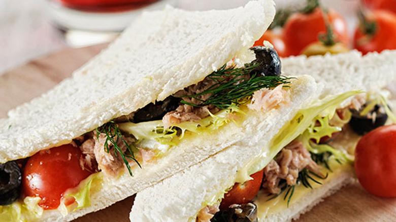 Sandviç të ndryshëm për piknik