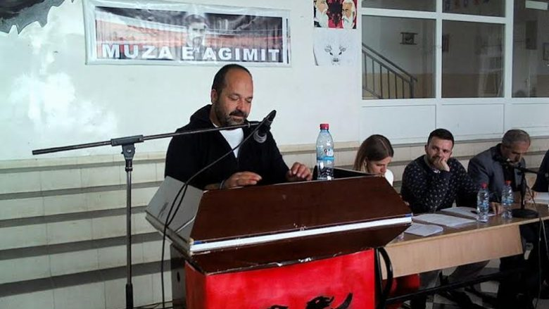 """""""Muzën e Agimit"""" e fitoi poeti Xhevat Latifi"""