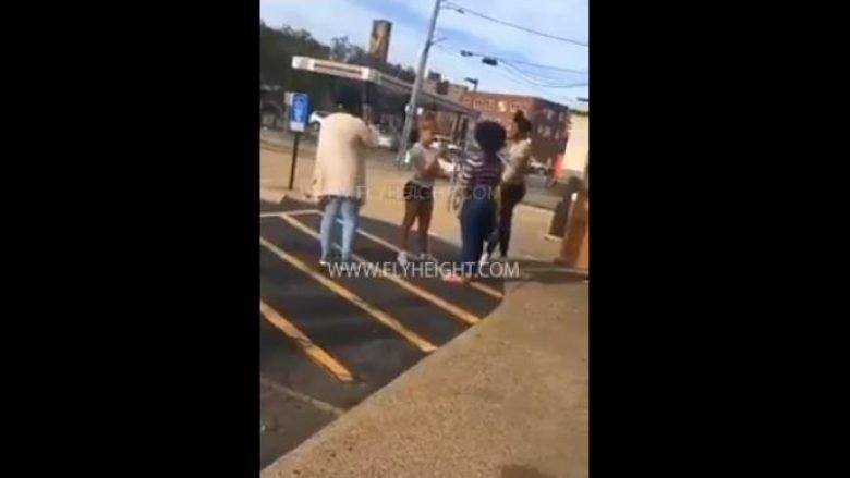 Ka filmuar çdo vajzë që e kishte rrahur, dhe tani i ka publikuar pamjet e tmerrshme në internet (Video, +18)