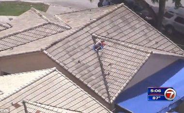 Fëmija i zhdukur u gjet në kulmin e shtëpisë së tij (Video)