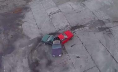 Me tre vetura të ngjitura provuan të krijojnë fluturën rrotulluese (Video)