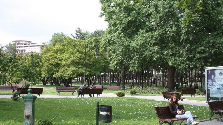 Aksion për pastrimin e mbeturinave në Parkun e Qytetit të Shkupit