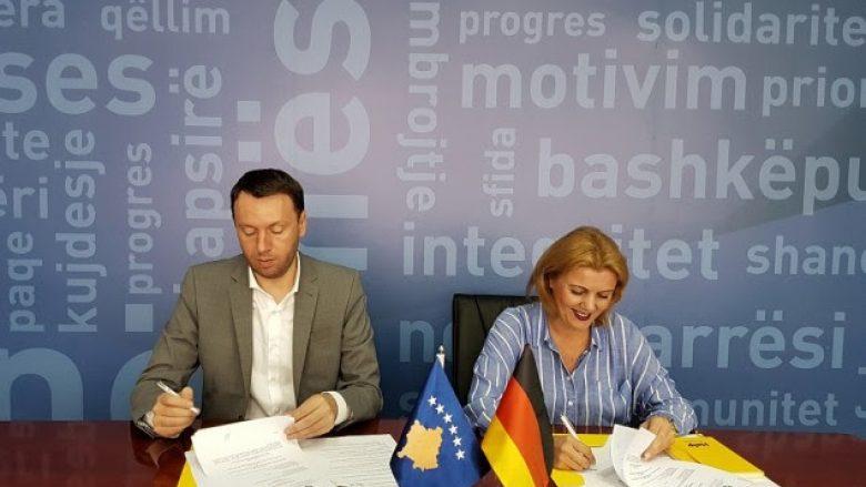 MPMS nënshkruan marrëveshje për 240 grante për mikrobiznese