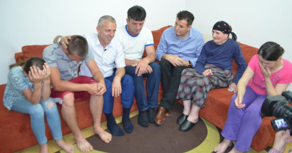 Shoqata  Jetimët e Ballkanit  bëri me banesë familjen Fejzullahu