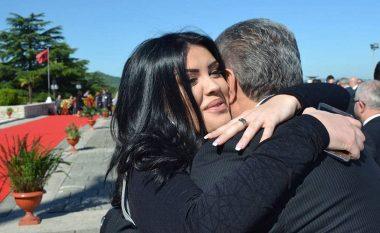 Greta nuk heq dorë nga politika: I ruaj kontaktet me Sali Berishën