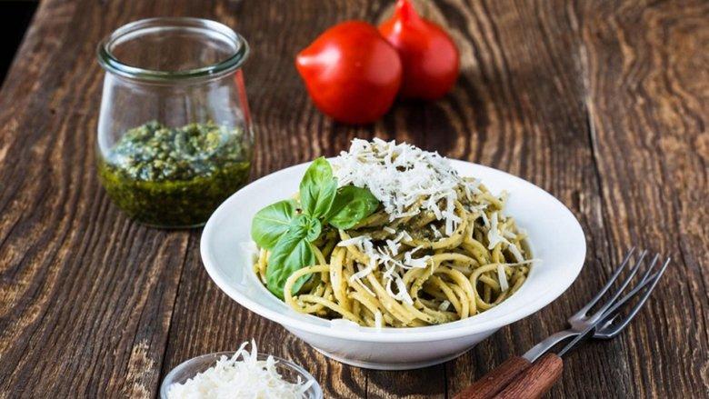 Salcë gjenoveze dhe shpageta: Ushqim për të cilin paguhet shtrenjtë!