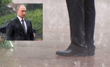 """Putin injoron shiun, për të vendosur kurorë mbi varrin e """"Ushtarit të Panjohur"""" (Video)"""