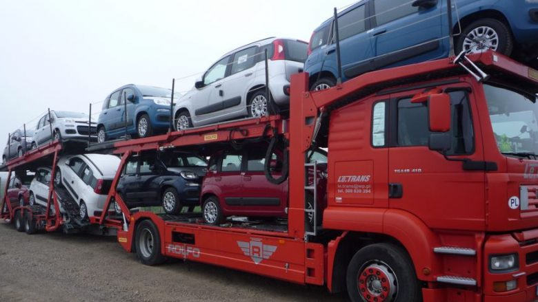 Nga 1 janari qytetarët nuk mund të importojnë vetura më të vjetra se 10 vjet
