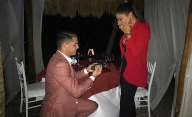 """""""Ajo tha Po"""", Granit Xhaka ulet në gjunjë dhe i propozon martesë të fejuarës së tij, Leonitës (Foto)"""