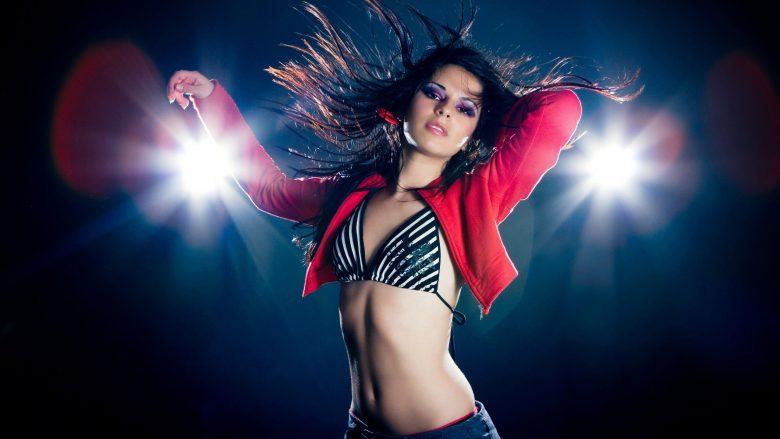 Tri lëvizjet më seksi të vallëzimit, sipas shkencës (Video)