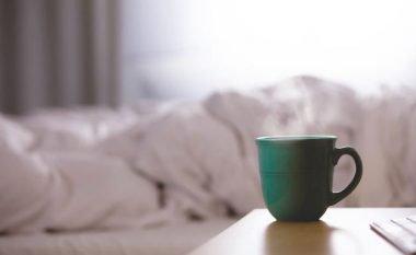 Pesë shprehitë e mëngjesit të cilat ndikojnë të shtoni peshë