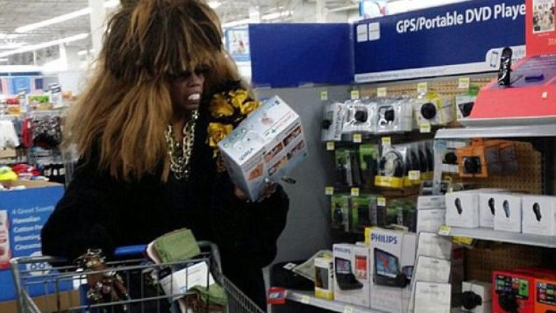 """Klientët më """"ekstravagantë"""" që janë parë në supermarkete (Foto)"""