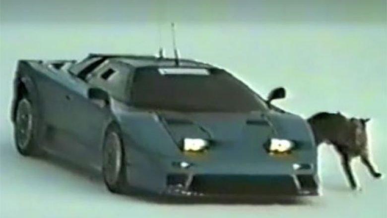 Pamje të rralla e tregojnë Bugatti EB110 duke u testuar në borë dhe akull (Video)