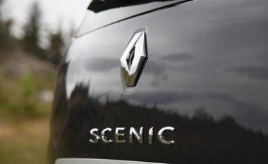 Renault Scenic me sistem të lartë sigurie, shoferja vetëm lëndime të lehta nga përplasja (Foto)