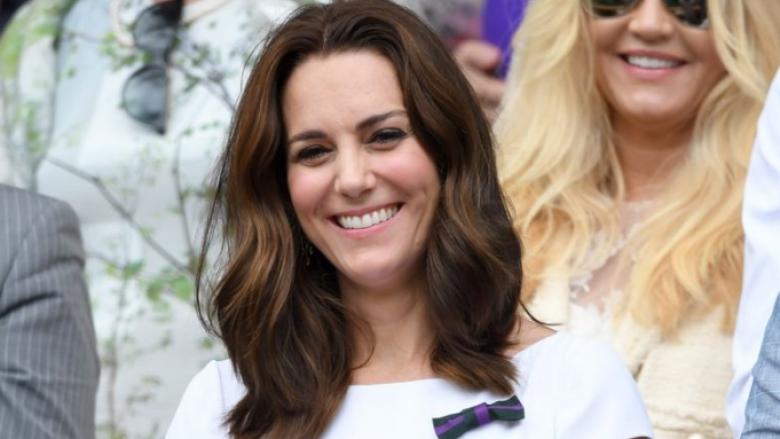 Kombinim i përsosur i Kate Middleton-it gjatë vizitës në Wimbledon (Foto)